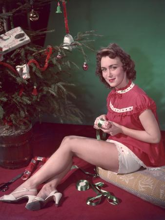 Wrapping Gifts 1950s