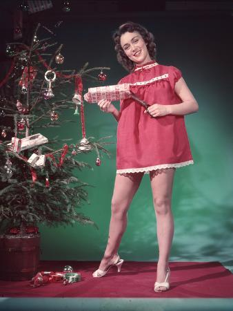 Pin-Up, Presents and Tree