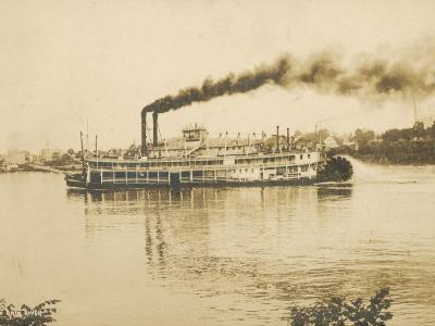 The Queen City Paddleboat on the Ohio River, America