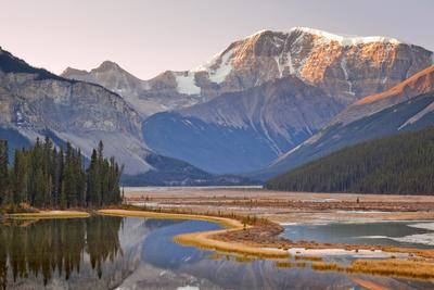 Canada, Alberta, Jasper National Park, Mount Kitchener, Sunwapta River, River with Mountains at Sun