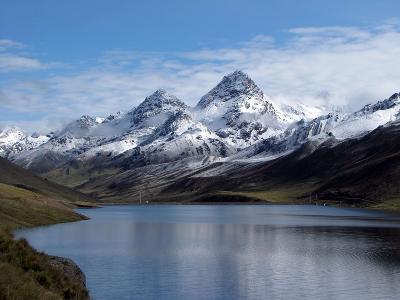 Yuracmayo Lake