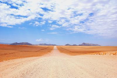 Freeway in Namibdesert.
