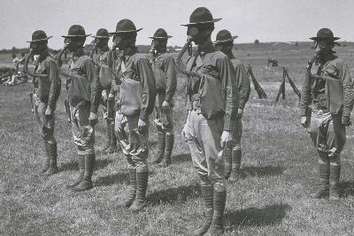 WWI TROOPS IN GEAR