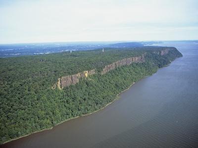 Palisade Cliffs Along the Hudson River, New Jersey, USA