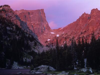 Hallet Peak and Dream Lake with Alpenglow, Rocky Mountain National Park, Colorado, USA