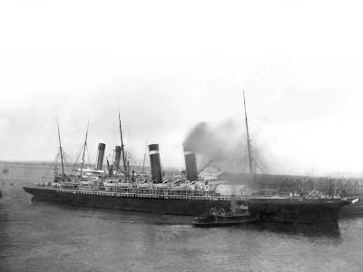 The 'New York' Being Pushed Away from the Titanic by Tugs.