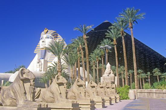 Replicas Of Sphinx And Pyramid At The Luxor Hotel And Casino Las