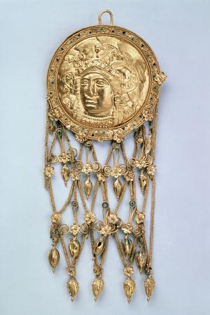 Pendant with Head of Athena Parthenos, Early 4th Century Bc