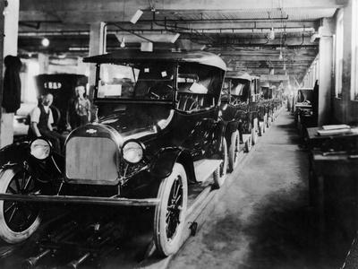 Chevrolet 490 Cars on Production Line, C1920