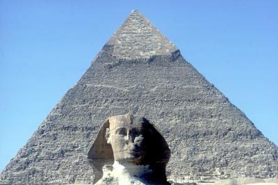 The Sphinx and Pyramid of Khafre (Chephren), Giza, Egypt, 4th Dynasty, 26th Century Bc