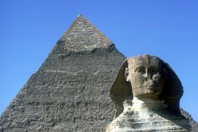 The Sphinx and Pyramid of Khafre (Chephren), Giza, Egypt, 4th Dynasty, 26th Century Bc