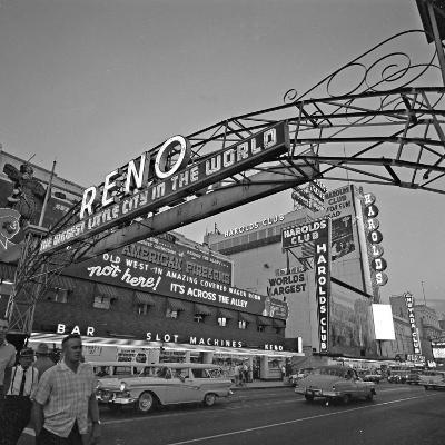 Pedestrians Cross Virginia Street as the Arch That Proclaims Reno: the Biggest Little City