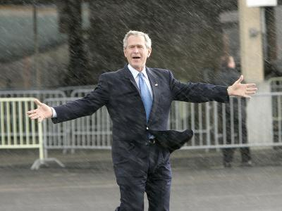 President Bush Departs in the Rain at Boeing Field in Seattle