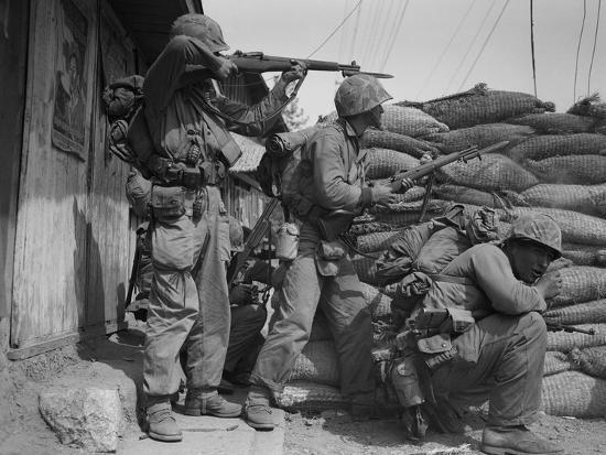 Korean War US Marines 1950' Photographic Print - Max Desfor   AllPosters.com