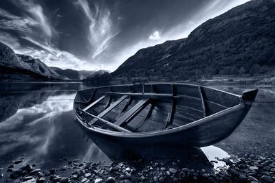 Boats a shadow