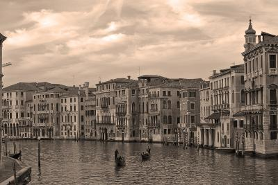 Gondolas and Palazzos I