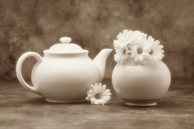 Teapot and Daisies II