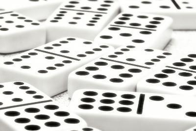 Dominos I