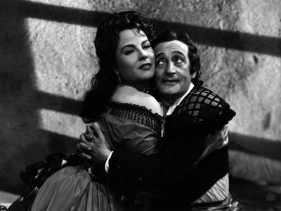 Totò and Franca Marzi in Figaro Qua, Figaro Là