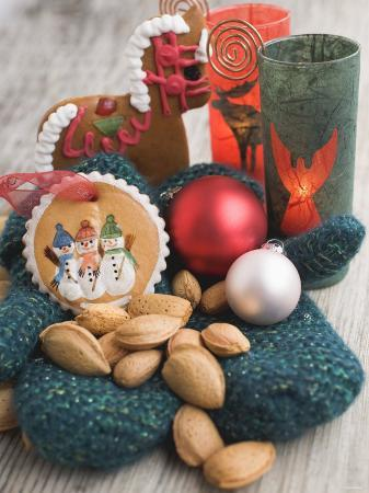 Gingerbread Tree Ornaments, Almonds, Mittens, Baubles & Candle