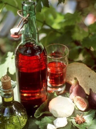 Fresh Goat's Cheese, Figs, Oil and Rose Wine from Provence