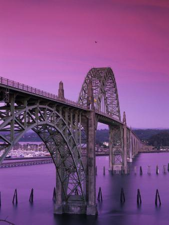 Yaquina Bay Bridge, Newport, Oregon, USA