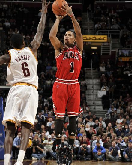 Chicago bulls v cleveland cavaliers derrick rose and - Derrick rose cavs wallpaper ...