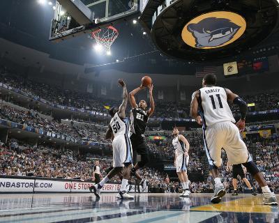 San Antonio Spurs v Memphis Grizzlies - Game Four, Memphis, TN - APRIL 25: Tim Duncan and Zach Rand