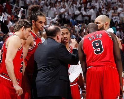 Chicago Bulls v Atlanta Hawks - Game Four, Atlanta, GA - MAY 8: Tom Thibodeau, Kyle Korver, Joakim