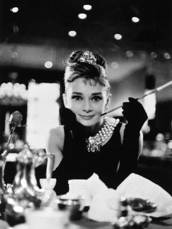 Audrey hepburn breakfast at tiffanys 1961
