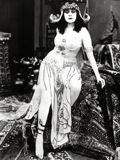Theda Bara Cleopatra 1917 Directed By J Gordon Edwards Photographic Print At AllPosters