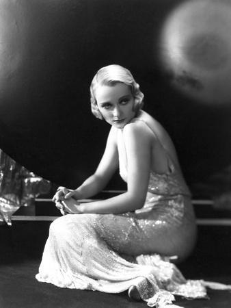Carole Lombard, 1930