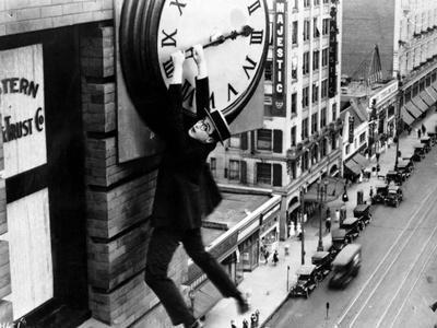 """Harold Lloyd. """"Safety Last"""" 1923, Directed by Fred Newmeyer"""