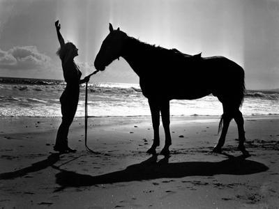 Joan Crawford, 1936