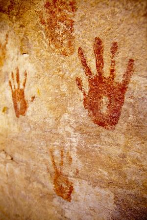 800-Year-Old Pueblo Indian Hand Murals Still Vibrant in the Grand Gulch in Southern Utah