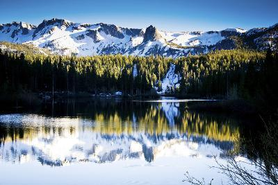 The Beautiful Scenes of Mammoth Lakes, California and Surrounding Areas