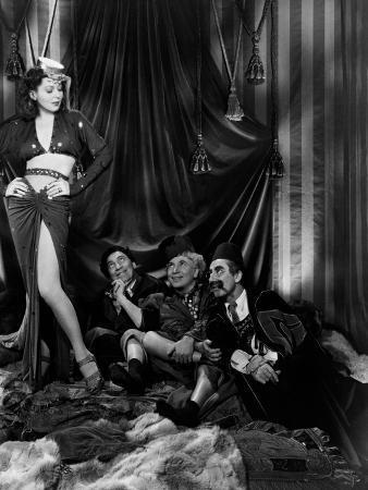 A Night in Casablanca, 1946