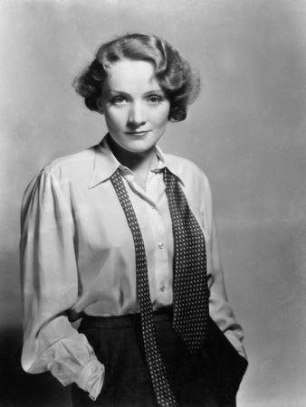 Marlene Dietrich, 1932