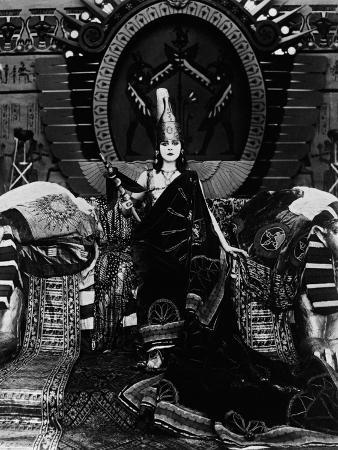Cleopatra, 1917