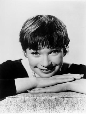 Shirley Maclaine, 1960