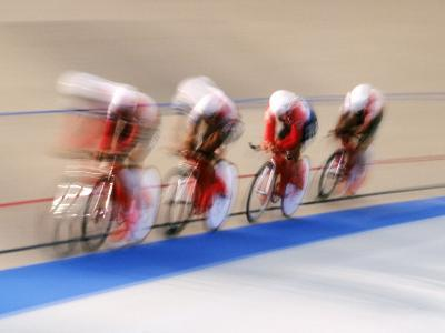Blurred Action of Cycliing Team Onthe Track