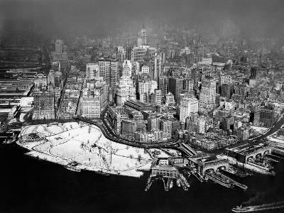 Overview of Manhattan in New York, 1929