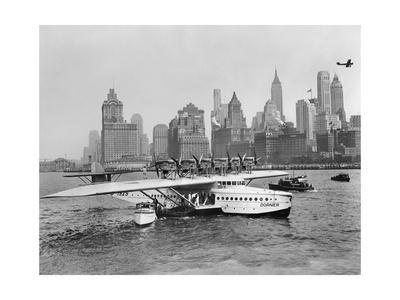 Flugschiff Dornier Do X im Hafen von New York, 1931