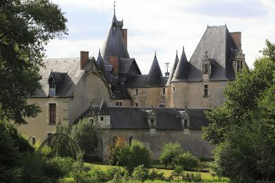 Château de Fougères, aile nord du château vue de la demeure de la Boulas