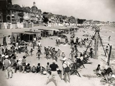 Holidays at La Baule, France (1937)