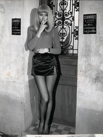 Mireille Darc: Elle Boit Pas, Elle Fume Pas, Elle Drague Pas Mais... Elle Cause !, 1970