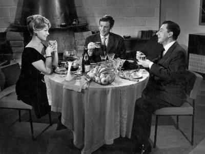 Jean-Paul Belmondo, Paul Meurisse and Dany Robin: La Française et L'Amour, 1960