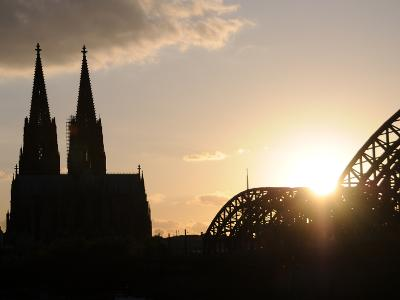 Silhouette of the Cologne Cathedral and the Hohenzollernbrücke
