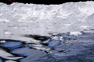 Iceberg and Waves in Greenland