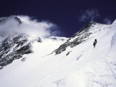 Mountaineering on Mt. Everest Southside